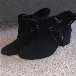 Vince Camuto Black Booties Size 8 USED